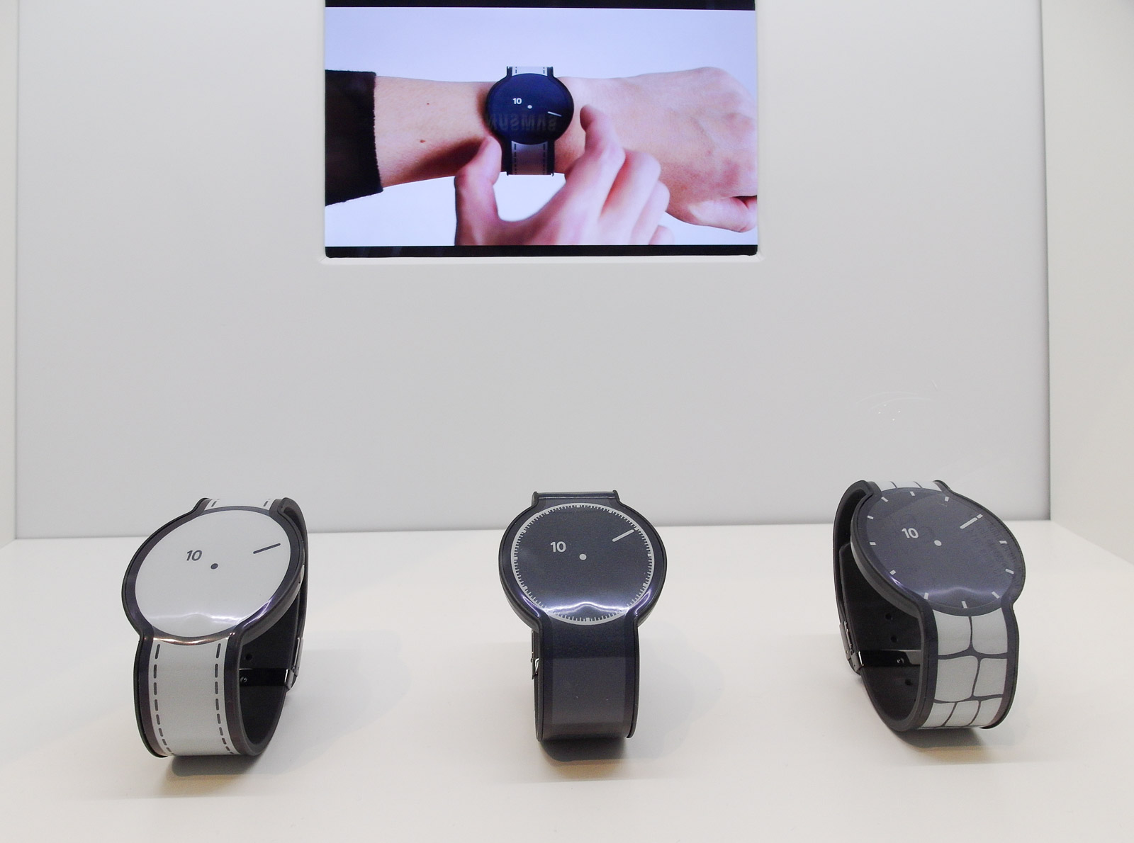 <h1>Sony E-Ink Smartwatch Prototype</h1> <h2>IFA 2015 SmartHomeConsult Report</h2>